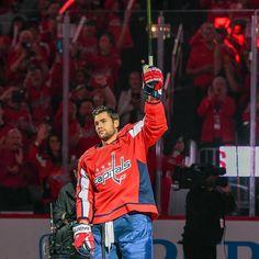 Tom Wilson Caps Hockey, Hot Hockey Players, Hockey Memes, Ice Hockey, Hockey Baby, Tom Wilson Hockey, Washington Capitals Hockey, Skater Boys, Sport Icon