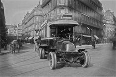 Bel exemplaire d'un autobus sans impériale de la Compagnie Générale des Omnibus dans les rues de Paris, en 1909.