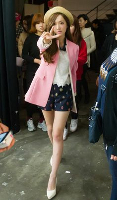 Jessica Jung Sooyeon of Girls' Generation for Soup BTS Snsd Airport Fashion, Snsd Fashion, Ulzzang Fashion, Asian Fashion, Girl Fashion, Spring Fashion, Style Outfits, Cute Outfits, Jessica Snsd