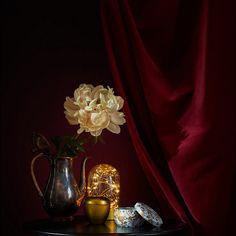 Kuvansiirto puulle liimalla | Kaikki Paketissa Ikea, Vase, Curtains, Photography, Home Decor, Blinds, Photograph, Photography Business, Photoshoot