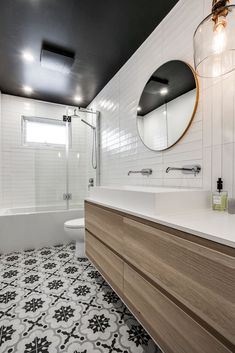 The Vinet project: a real youth cure for a decor that will pass the years! Big Bathrooms, Beautiful Bathrooms, Bathroom Inspo, Bathroom Inspiration, Bathroom Ideas, Open Plan Kitchen Interior, Home Design Decor, House Design, Cozy Basement