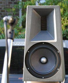 The Best Loudspeakers in the World . Home Audio Speakers, Diy Speakers, Hifi Audio, Best Loudspeakers, Car Audio Battery, Monitor, Solar Licht, Speaker Plans, Speaker Box Design