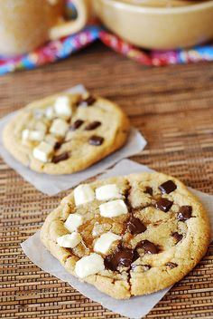 Chocolate chip and white chocolate chip cookies by JuliasAlbum.com, via Flickr