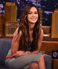 Jimmy Fallon, Estilo Megan Fox, Beautiful Celebrities, Beautiful Women, Megan Fox Photos, Megan Denise Fox, Long Locks, Brunette Hair, Megan Fox Hot