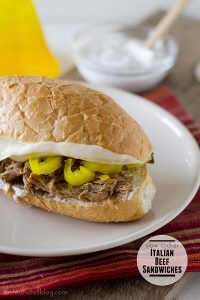 Slow Cooker Italian Beef Sandwiches with Ranch Horseradish Sauce from Taste and Tell; what really makes this sound good to me is the sauce and it's perfect for a Slow Cooker Summer Dinner! [via Slow Cooker from Scratch] Slow Cooker Italian Beef, Crock Pot Slow Cooker, Crock Pot Cooking, Slow Cooker Recipes, Crockpot Recipes, Cooking Recipes, Healthy Recipes, Crockpot Dishes, Beef Dishes