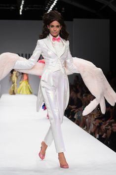 Moschino at Milan Fashion Week Spring 2015 - Runway Photos
