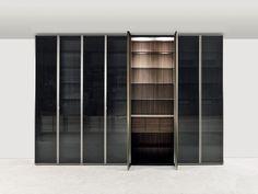 Made-on-measure cabinets Wardrobe room App E