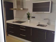 FOTO COCINAS GRISES Kitchen Room Design, Kitchen Sets, Modern Kitchen Design, Kitchen Layout, New Kitchen, Buckingham House, Home Kitchens, Kitchen Remodel, Home Improvement