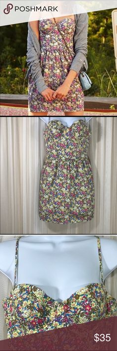 Victoria's Secret PINK floral bustier style dress. Victoria's Secret PINK floral bustier style dress. Great quality and perfect for day or night. Size is medium and the cup straps are adjustable PINK Victoria's Secret Dresses Mini