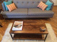 Reclaimed Wood Coffee Table: Bare Design van Gokojo op Etsy