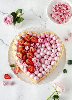 """Explore our internet site for even more info on """"abstract art paintings to inspire"""". It is actually a great area to read more. Birthday Desserts, Köstliche Desserts, Delicious Desserts, Yummy Food, Dessert Party, Valentines Food, Holiday Appetizers, Mother's Day Diy, Fabulous Foods"""