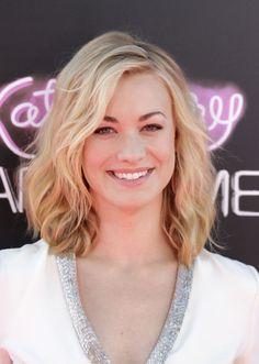 Yvonne Strahovski (Hannah from DEXTER)- Her hair!
