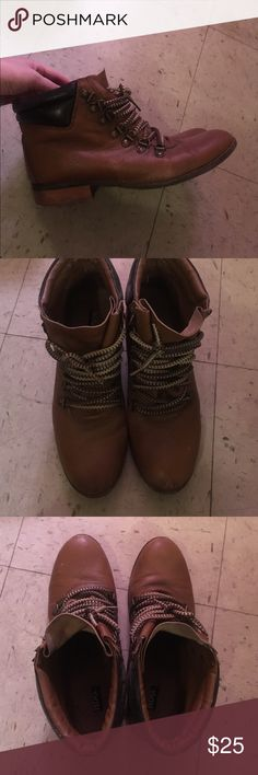 Urban outfitters hiking boots Cute urban outfitters hiking boots from house brand BDG. Size 8.5 Urban Outfitters Shoes Ankle Boots & Booties