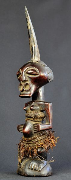 Fétiche Songye Nkisi Congo Fetish Power Figure Africain African Statue Sculpture www.tribalart.be #songye #fetish #fetiche