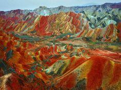 Las montañas Arcoiris en el parque geológico Zhangye Danxia en China - http://www.vdeviaje.me/las-montanas-arcoiris-en-el-parque-geologico-zhangye-danxia-en-china/