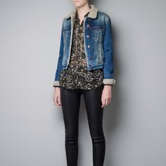 Zara Cropped Denim Sheepskin Lined Jacket S Perfectly cropped denim jacket from Zara with a cozy sheepskin lining around collar, buttons and sleeve hem. In brand new with tags condition. Would best fit an XS-S. Zara Jackets & Coats Jean Jackets