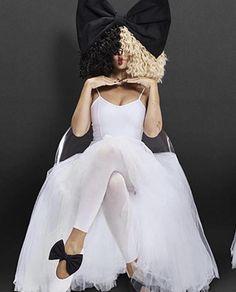😊🌈❤ Sia Costume, Sia Wig, Adele, Sia Singer, Sia Music, Sia And Maddie, Cool Lyrics, Song Artists, Female Singers