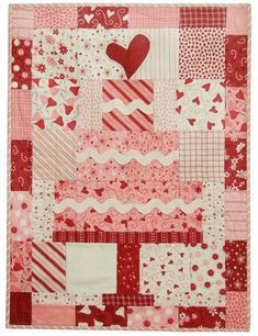 This Takes the Cake Make a cake for the special person in your life the easy way by using a Charm Pack Jellyroll Quilts, Scrappy Quilts, Mini Quilts, Baby Quilts, Star Quilts, Quilt Blocks, Quilted Cake, Jelly Roll Quilt Patterns, Quilting Patterns