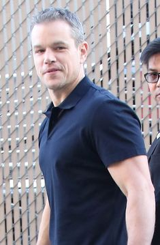 Matt Damon's career in 8 minutes on The Late Late Show with James Corden, tries to clarify comments from The Guardian interview on gay actors on Ellen Matt Damon, Flipped Movie, Preppy Mens Fashion, Men's Fashion, Wow Photo, Handsome Older Men, The Late Late Show, Interesting News, American Actors