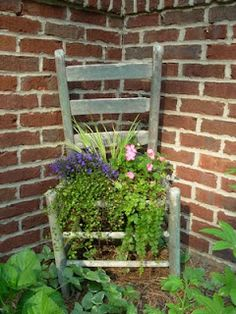 Use chicken wire in place of the seat and line with moss to form a basket