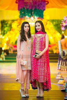 Kindly dm for price. World wide delivery. In Pakistan Half Payment in Advance. International Countries Pay in Advance. For More Information or order Inbox Us. Pakistani Wedding Outfits, Pakistani Dresses, Indian Dresses, Indian Outfits, Indian Designer Wear, Stylish Dresses, Bridal Dresses, Party Dresses, Dress Collection