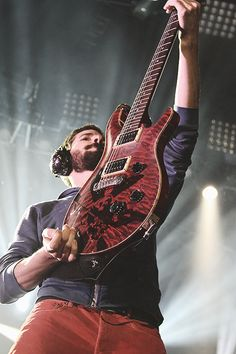 Brad Delson ~ Love the Hybrid Theory guitar!