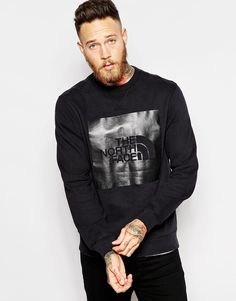 """Sweatshirt by The North Face Soft-touch sweat Crew neck Large logo print Ribbed trims Regular fit - true to size Machine wash 100% Cotton Our model wears a size Medium and is 191cm/6'3"""" tall"""