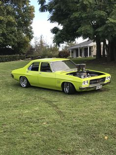 KINGHQ Australian Muscle Cars, Aussie Muscle Cars, Holden Premier, Hq Holden, Custom Muscle Cars, Car Goals, Airplanes, Cars And Motorcycles, Hot Rods