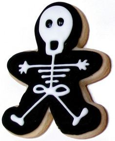 Spooky Skeleton Cookie I cannot wait to produce these en masse for Halloween! Halloween Desserts, Cookie Halloween, Dulces Halloween, Postres Halloween, Halloween Cookies Decorated, Halloween Sugar Cookies, Halloween Goodies, Halloween Fun, Decorated Cookies