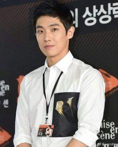 Que lindo 😍 #LeeJoon Lee Joon, Actors, Coat, Jackets, Fashion, Cute, Down Jackets, Moda, Fashion Styles