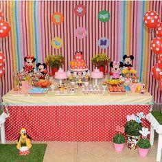 Uma graça essa festa Mickey e Minnie, por @boutiquefestas, adorei! ❤️ #kikidsparty