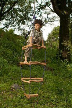 Κατασκευή ιδανική για σκαρφάλωμα. Προκαλεί κάθε παιδάκι μικρό η μεγάλο!