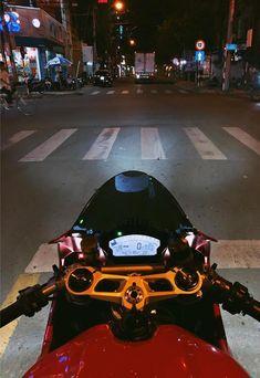 Ducati Motorbike, Motorcycle Bike, Supermoto For Sale, Ducati Hypermotard, Bike Photoshoot, Motorcycle Wallpaper, Poses Photo, Motorcycle Photography, Biker Gear