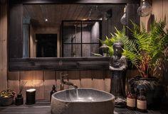 BUD MOTTATT! Spektakulær utsikt fra Fageråsens fineste tomt. Totalrenovert hytte der alt er tenkt på. | FINN.no Bathtub, House, Home Decor, Mood, Houses, Garden Tool Storage, Standing Bath, Home, Bathtubs
