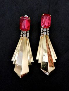 Gorgeous long Earrings 1970 - Oversized gold and crystals -vibrant fuchsia and gold - specular earrings clips-Italian Earrings-art.869/2-