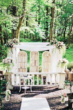 Vintage chic outdoor ceremony decor idea {Andie Freeman Photography}