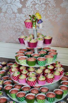 Looks so delicious, cute wedding cookies