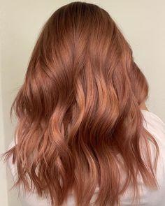 """172 To se mi líbí, 0 komentářů – Karolína Machovič (@karolmachovic) na Instagramu: """"ROSEGOLD Stále žádaná barva na mém křesle. A nepřestává mě bavit. Tohle je moje oblíbené vyvážení.…"""" Rose Gold Hair, Long Hair Styles, Beauty, Instagram, Long Hairstyle, Long Haircuts, Long Hair Cuts, Beauty Illustration, Long Hairstyles"""
