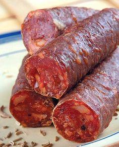 Lucanica - Basilicata - Where Home Starts Skewer Recipes, Meat Recipes, Wine Recipes, Homemade Jerky, Homemade Sausage Recipes, Best Italian Recipes, Portuguese Recipes, Food Pyramid Kids, How To Make Sausage