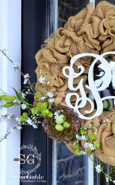 SPRING BURLAP WREATH DIY