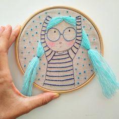 """Anacardia / Ana Carolina 🇧🇷 on Instagram: """"Sim, ainda está faltando um pedaço! Mas logo termino e mostro ele completo. Os bastidores estarão na lojinha no dia 12/04/2019, ainda não…"""" Embroidery Hoop Crafts, Embroidery Alphabet, Hand Embroidery Patterns, Embroidery Art, Cross Stitch Embroidery, Embroidery Designs, Sewing Art, Sewing Crafts, Sewing Projects"""