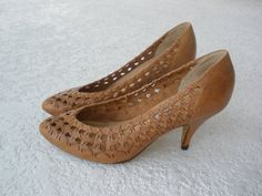 Vintage brown leather woven pumps high heels shoes size 6.5 $33