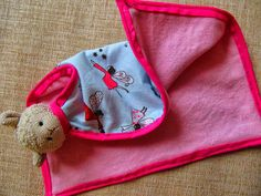 Sweet mini baby-blanket! Diy Crafts, Blanket, Mini, Sweet, Creative, Cuddling, Fabrics, Candy, Blankets