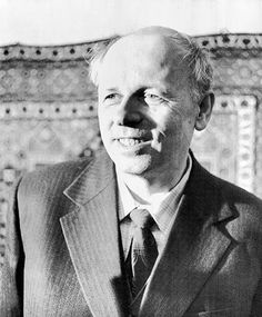 "Andrei Sakharov (1921-1989), Soviet nuclear physicist, dissident and human rights activist. ""[for his] struggle for human rights, for disarmament, and for cooperation between all nations"""