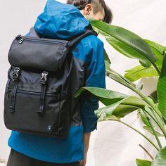出走必備 #youngster 活力無限 自如穿梭街頭 一個背包 輕鬆出發 #packyourporter #backpack #porter #porter_international