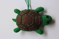 Turtle Ornament, Felt Turtle Ornament, Green Turtle Ornament, Christmas Ornament, Handmade Felt Ornament, Tortoises Button Ornament