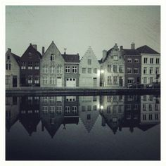 This #landscape #shot set in beautiful #Brugge looks like it came from children's book #illustration.