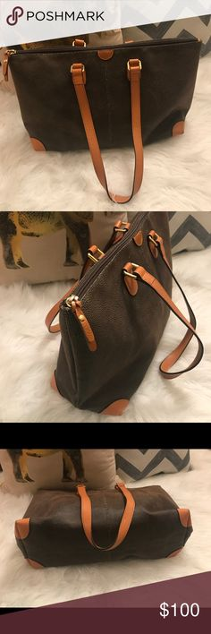 """BRIC'S """"Life"""" large tote. Great condition💥💥💥 BRIC'S """"Life"""" large tote w/ inner zipper pockets, key clasp & pen holder. Great condition💥💥💥see last 2 pics for minor scuffs/mark. Beautiful bag. Great for travel!!! BRIC'S Bags Totes"""