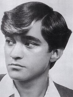 """Society had an influence on men's appearance during the early Conservative people viewed long hair and facial hair as morally wrong. Men had to adjust their style to be considered """"socially acceptable"""" with more conservative situations. 70s Haircuts, 1960 Hairstyles, Vintage Hairstyles, Haircuts For Men, 70s Hair Men, 1960s Hair, Honey Hair, Bad Hair, Hair Today"""