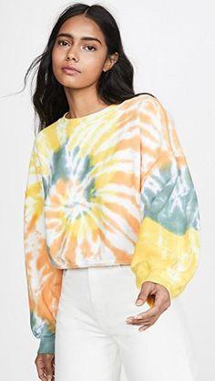 Sweat Shirt, Tie Dye Sweatshirt, Tie Dye Shirts, Tie Dye Fashion, Women's Fashion, Tie Dye Crafts, Grunge, Tie Dye Outfits, Tye Dye
